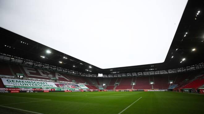 Der FC Augsburg muss aufgrund der steigenden Infektionszahlen gegen RB Leipzig ohne Zuschauer spielen