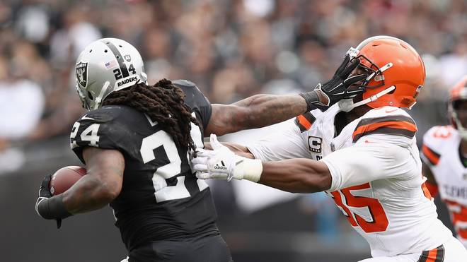 Cleveland Browns v Oakland Raiders