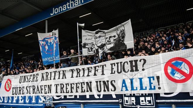 Fans des 1. FC Heidenheim zeigten dieses Banner gegen Hopp und den DFB