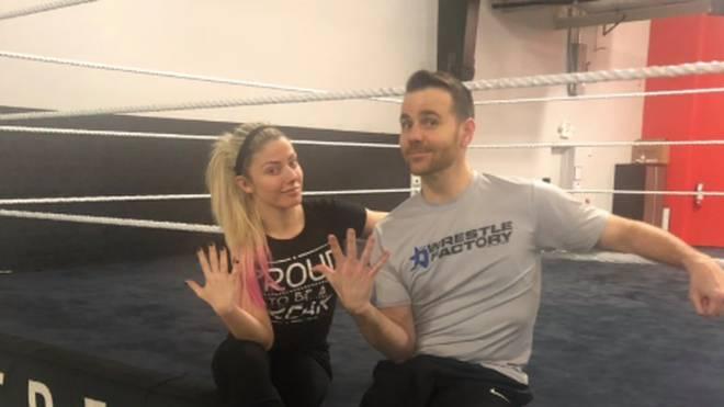 Auch WWE-Star Alexa Bliss trainierte mit Mike Quackenbush