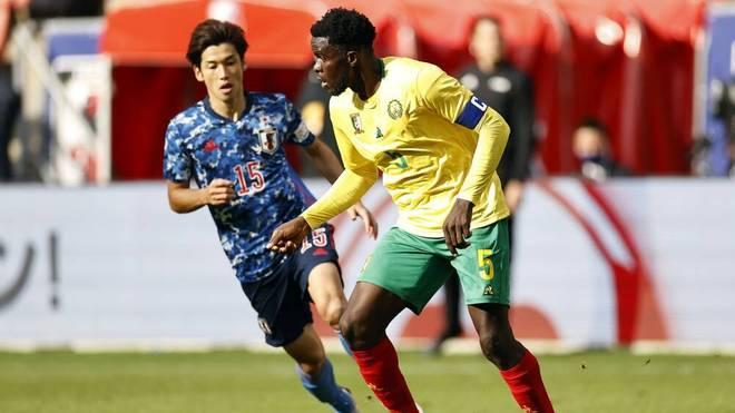 Mit Bundesliga-Profi Yuya Osako (l.) in der Startelf hat die japanische Nationalmannschaft einen Sieg im Testspiel gegen Kamerun verpasst