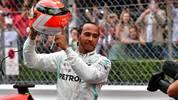 Im vergangenen Jahr trägt Lewis Hamilton beim Rennen in Monaco einen Helm zu Ehren des wenige Tage zuvor verstorbenen Niki Lauda und nutzt dafür das einzige ihm in dieser Saison zur Verfügung stehende Spezialdesign