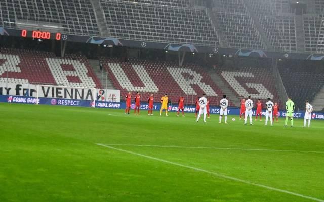 Vor dem Spiel Salzburg gegen Bayern gab es eine Schweigeminute