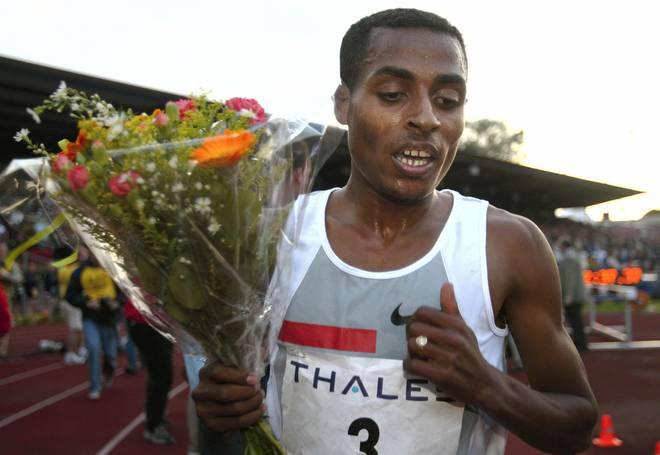 Kenenisa Bekele aus Äthiopien läuft in Hengelo einen neuen Weltrekord über 5000m