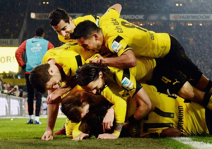 3:0 in Freiburg, 4:2 gegen Mainz 05 - Borussia Dortmund scheint in der Bundesliga in Tritt zu kommen. Der BVB ist von Platz 18 auf Platz 15 vorgerückt, am Abend in Stuttgart kann eine echte Serie draus werden