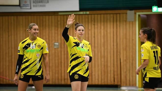 Jennifer Rode (Mitte) verlässt den BVB