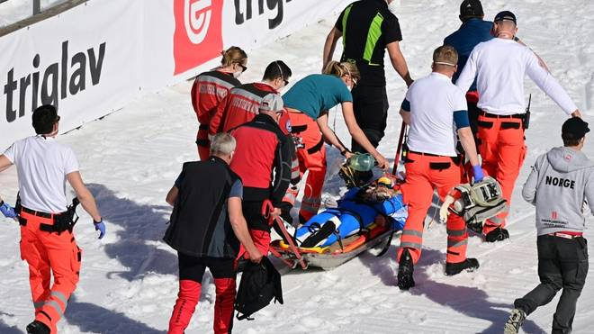 Daniel Andre Tande had a bad crash in Planica