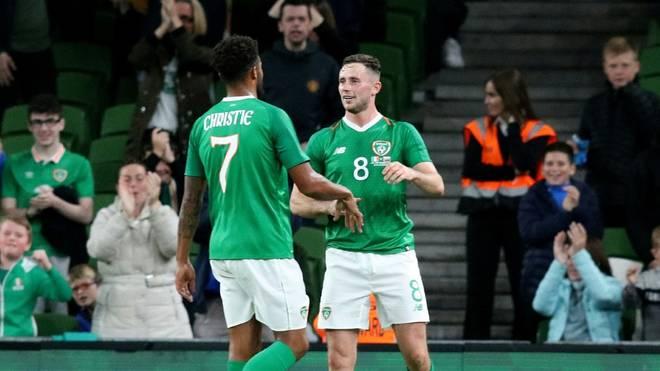 Irischer Nationalspieler Browne (r.) positiv getestet
