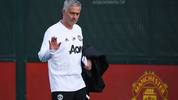 Manchester United's Portuguese manager Jose Mourinho arrives for a training session at the Carrington Training complex in Manchester, north west England on October 22, 2018, ahead of their UEFA Champions League group H football match against Juventus on October 23. (Photo by Oli SCARFF / AFP)        (Photo credit should read OLI SCARFF/AFP/Getty Images)