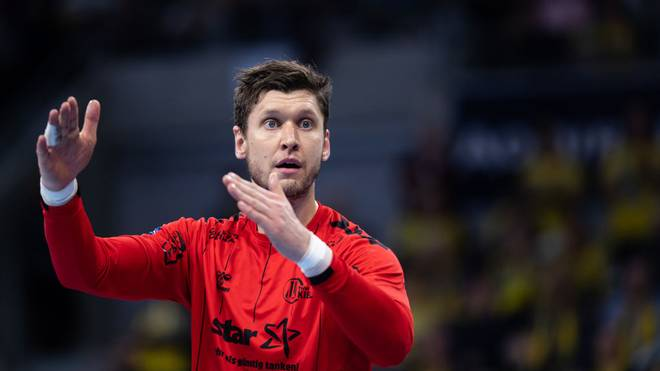 MANNHEIM, GERMANY - NOVEMBER 07: Niklas Landin of Kiel reacts during the Liqui Moly HBL match between Rhein Neckar Loewen and THW Kiel at SAP Arena on November 07, 2019 in Mannheim, Germany. (Photo by Simon Hofmann/Bongarts/Getty Images)