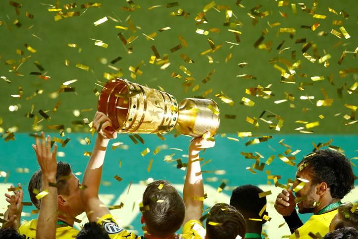 Am Ende jubelt schwarz-gelb: Doch bis zum Pokalsieg von Borussia Dortmund gibt es zahlreiche Ereignisse im Olympiastadion von Berlin zu verarbeiten. SPORT1 zeigt die Bilder des DFB-Pokalfinals