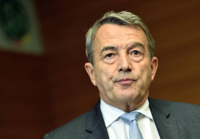 Wolfgang Niersbach hat nach drei Jahren und acht Monaten seinen Rücktritt als DFB-Präsident erklärt. Nun stellt sich die Frage, wie es an der Spitze des weltgrößten Sportverbands weitergeht. SPORT1 wirf einen blick auf seine möglichen Nachfolger