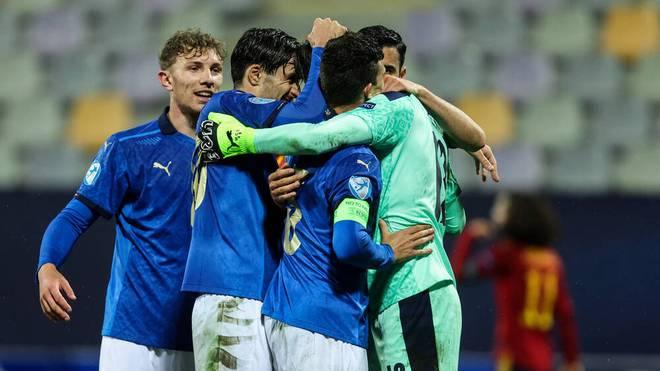 Die Italiener kämpfen sich in die nächste Runde