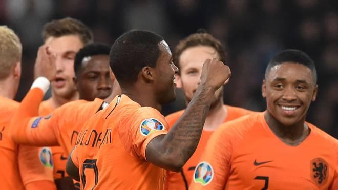 Oranje siegt, Polen qualifiziert
