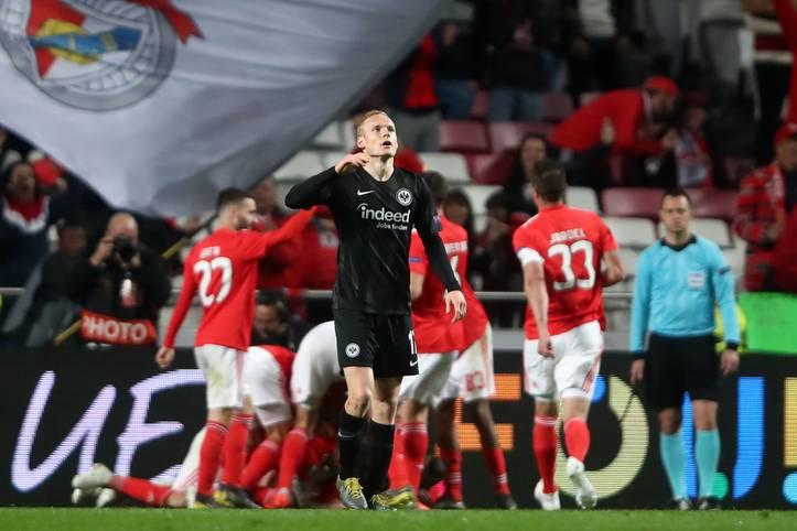 Nach der 2:4-Niederlage in Lissabon steht Eintracht Frankfurt am Donnerstagabend vor eine ganz harten Aufgabe. Um das Aus in der Europa League doch noch abzuwenden, braucht es eine echte Sahne-Leistung