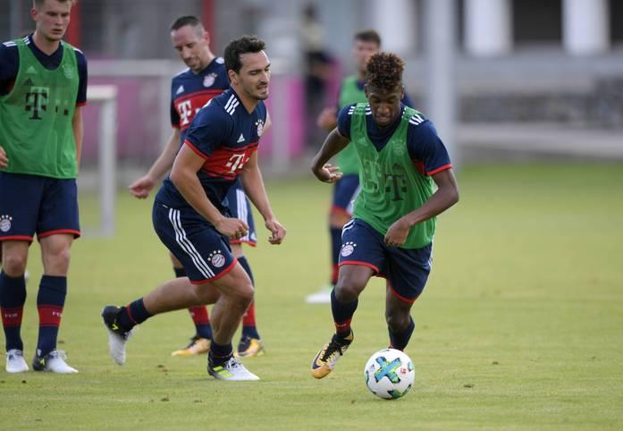 Der FC Bayern startet in die neue Saison. Zum Auftakt stehen eine Pressekonferenz und ein anschließendes Training auf dem Programm. SPORT1 zeigt die Bilder des Trainingsauftakts der Bayern