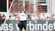Jürgen Klinsmann führt beim FC Bayern die Trainingsphilosophie der Nationalmannschaft fort. Dazu lässt er ein Leistungszentrum an der Säbener Straße errichten. Das Spiel der Münchener will er um 1,1 Sekunden schneller machen
