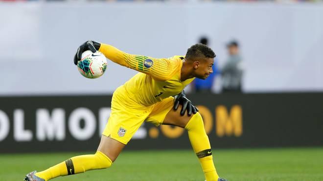 US-Keeper Zack Steffen greift bei Fortuna Düsseldorf an