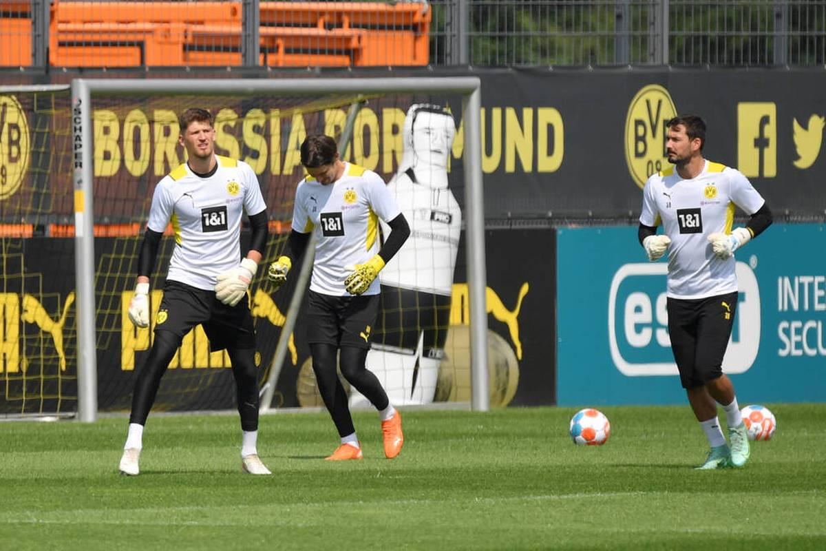 Gregor Kobel begeistert seit seiner Ankunft in Dortmund. Schon jetzt gilt er als bester der drei BVB-Keeper - doch täuscht dieser Eindruck? Der Zahlen-Check.