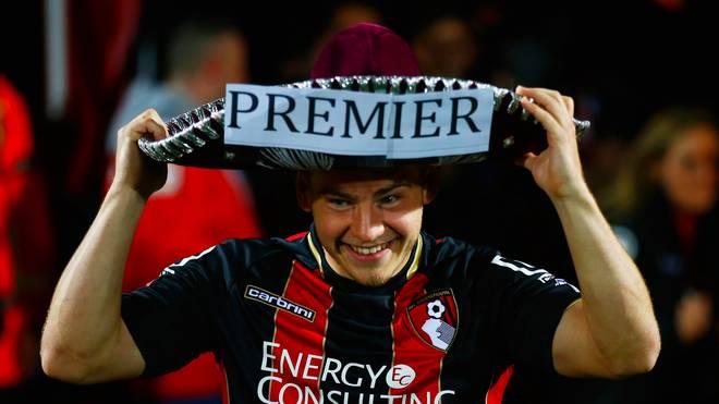 Ryan Fraser vom AFC Bournemouth feiert den Aufstieg in die Premier League