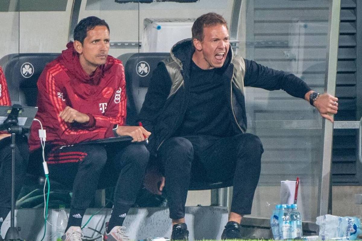 Beim Sieg in Fürth gerät Bayern-Coach Julian Nagelsmann in Rage über eine Schiedsrichter-Entscheidung - und kassiert eine Verwarnung. Auch Pavard bekommt sein  Fett weg.