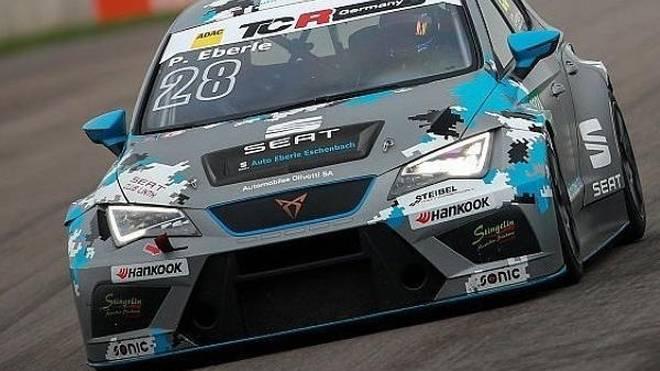 Cupra-Fahrer Pascal Eberle erzielte beim Debüt gleich die Bestzeit