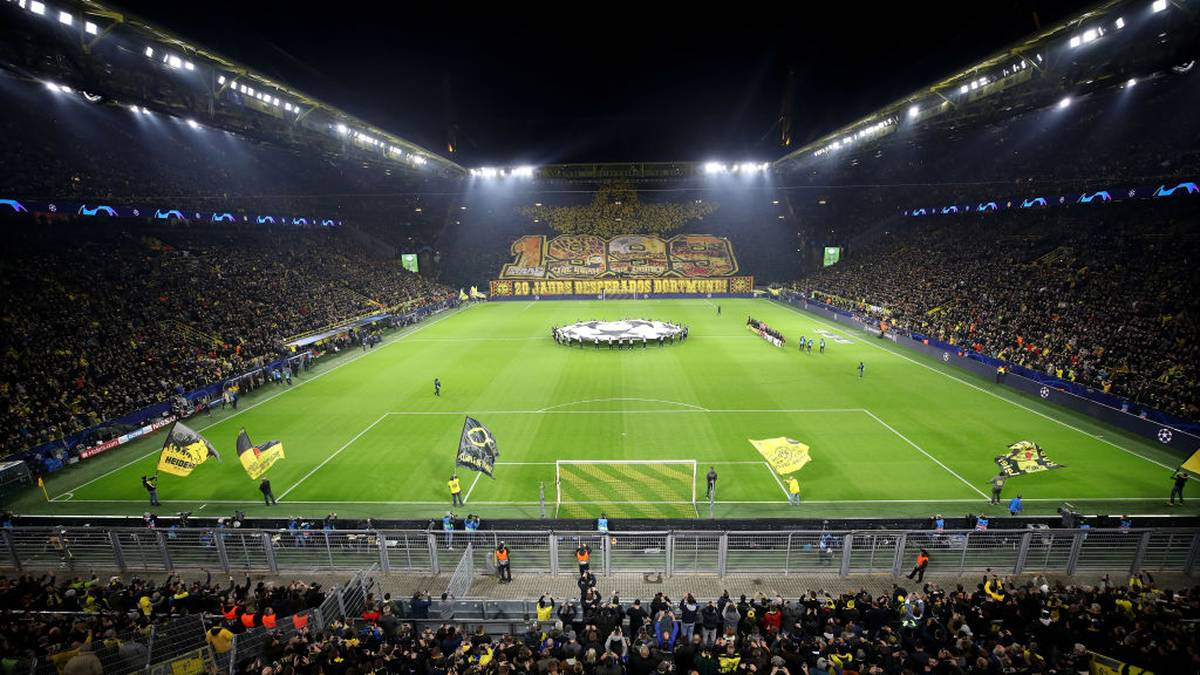 DORTMUND, GERMANY - NOVEMBER 05: A general view of the inside of the stadium as fans of Borussia Dortmund display a tifo prior to the UEFA Champions League group F match between Borussia Dortmund and Inter at Signal Iduna Park on November 05, 2019 in Dortmund, Germany. (Photo by Alex Grimm/Getty Images)