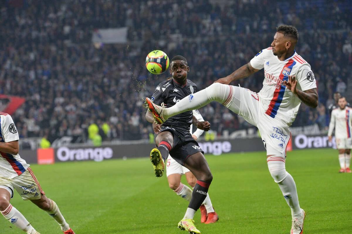Jérôme Boateng darf gegen Niko Kovac erstmals über 90 Minuten für Lyon ran. Die französische Presse zeigt sich begeistert, Boateng selbst sieht noch Luft nach oben.
