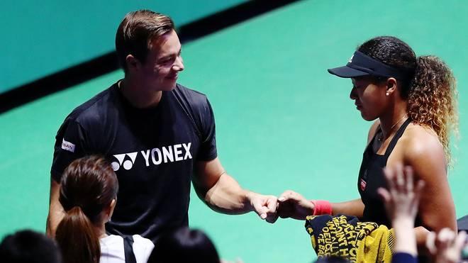 Naomi Osaka (r.) hat sich vor einigen Wochen von Coach Sascha Bajin getrennt