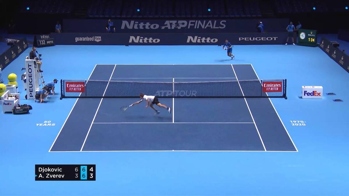 Im letzten Gruppenspiel der ATP Finals ist Alexander Zverev gegen Novak Djokovic zum Siegen verdammt - und verliert trotz eines Riesenkampfs im zweiten Durchgang.