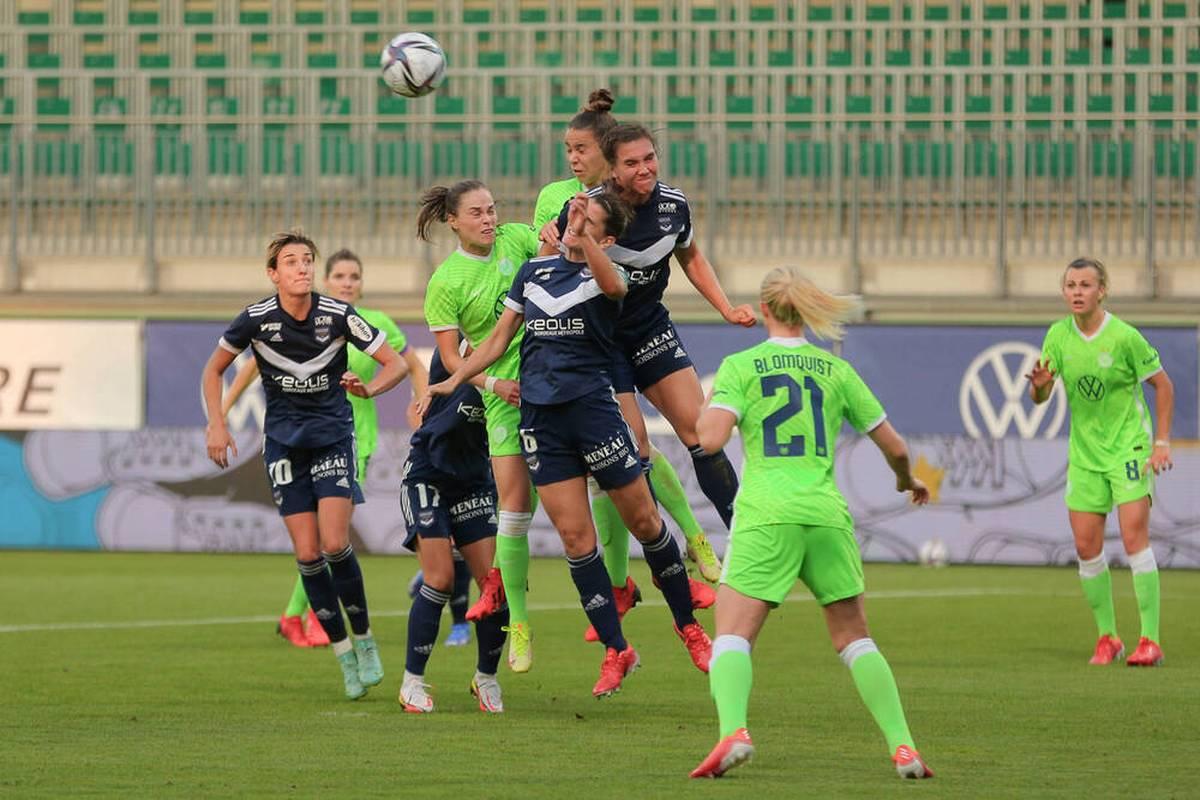 Das Frauenteam des VfL Wolfsburg will beim letzten Schritt in die Gruppenphase der reformierten Women's Champions League nichts mehr anbrennen lassen. Es geht in Frankreich um viel.