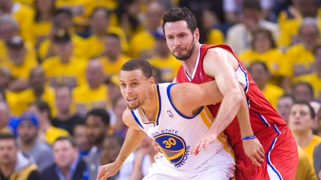 JJ Redick (r.) lieferte sich heiße Duelle mit Stephen Curry