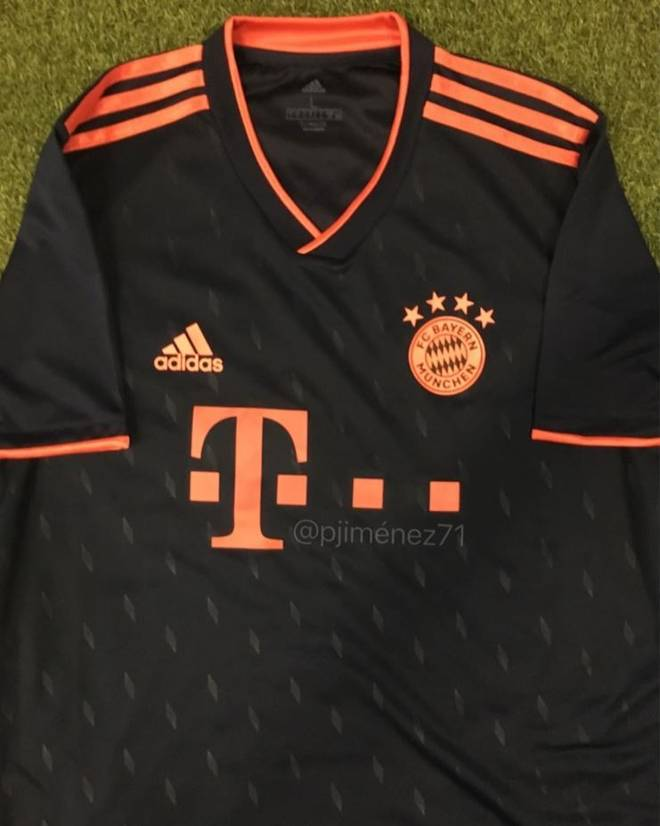 huge selection of d1dc4 850eb FC Bayern: Neues Ausweichtrikot geleakt - FCB in schwarz?
