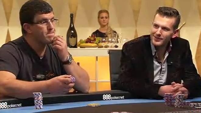 Auch Leon Tsoukernik (l.) und Vladimir Geshkenbein sitzen am Cashgame-Tisch