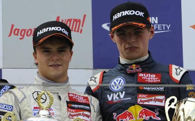 Lucas Auer und Max Verstappen gemeinsam auf dem Formel-3-Podium