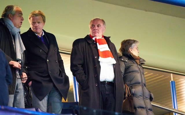 Uli Hoeneß ist zufrieden mit dem Start von Oliver Kahn beim FC Bayern München