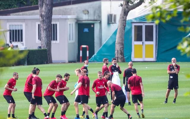 Der AC Mailand absolviert sein Training mit Unterstützung einer Drohne