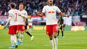 LEIPZIG, GERMANY - NOVEMBER 02: Yussuf Poulsen of RB Leipzig celebrates after scoring his team's fifth goal during the Bundesliga match between RB Leipzig and 1. FSV Mainz 05 at Red Bull Arena on November 02, 2019 in Leipzig, Germany. (Photo by Boris Streubel/Bongarts/Getty Images)