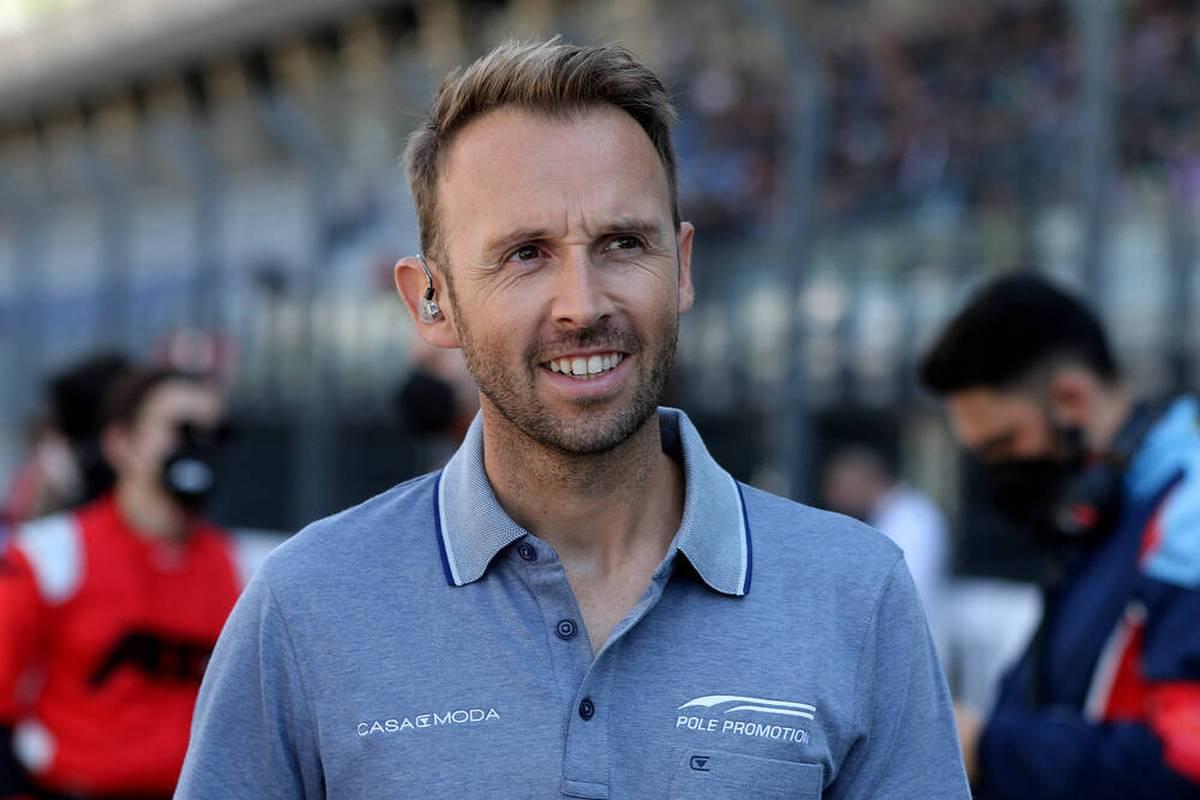 Der dreimalige Meister René Rast kehrt nach einjähriger Auszeit in der Saison 2022 in die DTM zurück. Bei SPORT1 spricht er über sein Comeback.