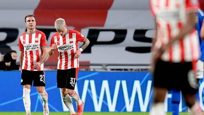 Mario Götze (L) spielt zusammen mit Philipp Max bei PSV Eindhoven
