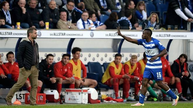 Der DFB sperrt Victor Obinna (r.)