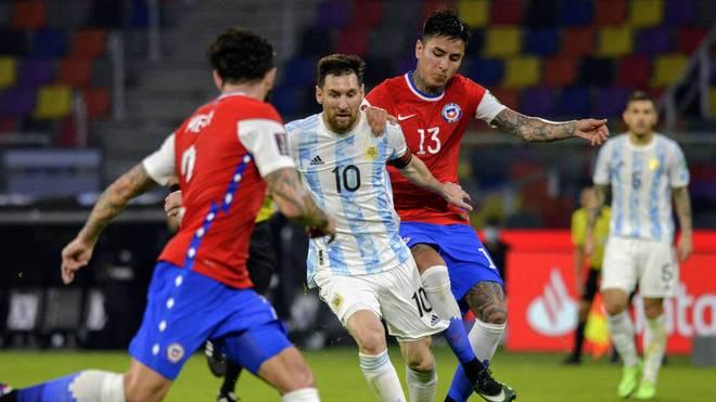 Lionel Messi (M.) will mit Argentinien Weltmeister werden