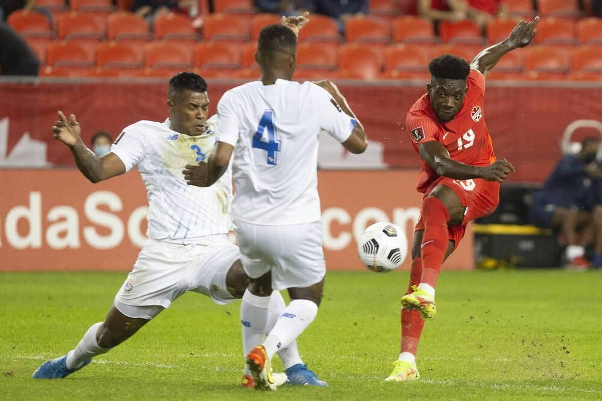 Alphonso Davies erzielt in der WM-Qualifikation ein Tor, was überall gefeiert wird. Rapper Drake meldet sich per Nachricht.