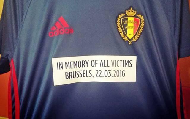 Gedenkshirt Belgiens für die Terroropfer von Brüssel