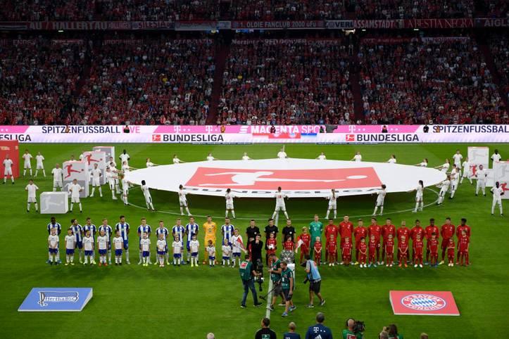 17 Spieltage, 153 Spiele, 429 Tore. Die Bundesliga erlebt eine der spannendsten und torreichsten Spielzeiten seit langem. Nicht mehr nur der FC Bayern und Borussia Dortmund spielen um die Meisterschale. Nach der Hinrunde trennen die ersten fünf Plätze nur sieben Punkte