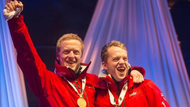Biathlon: Bei der Weltmeisterschaft 2015 in Kontiolahti feiert Johannes Thingnes Bö (l.) Gold im Sprint. Sein Bruder Tarjei (r.) landete auf dem Bronzerang