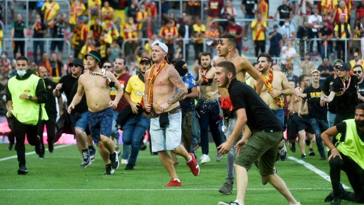 Platzsturm mit Folgen: Ligue 1 spricht Strafe aus