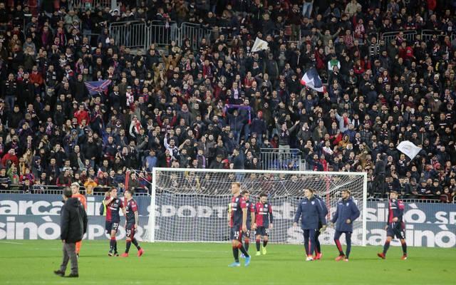 Drei Anhänger von Cagliari Calcio wurden mit einem lebenslangen Stadionverbot belegt