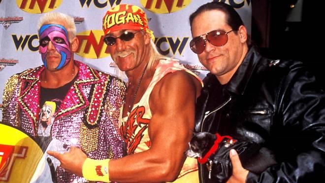 Steve McMichael (r.) mit den Wrestler-Kollegen Sting (l.) und Hulk Hogan