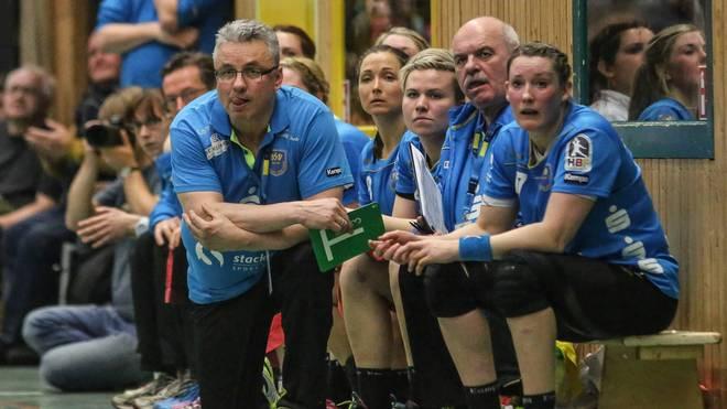 Trainer Dirk Leun und der Buxtehuder SV